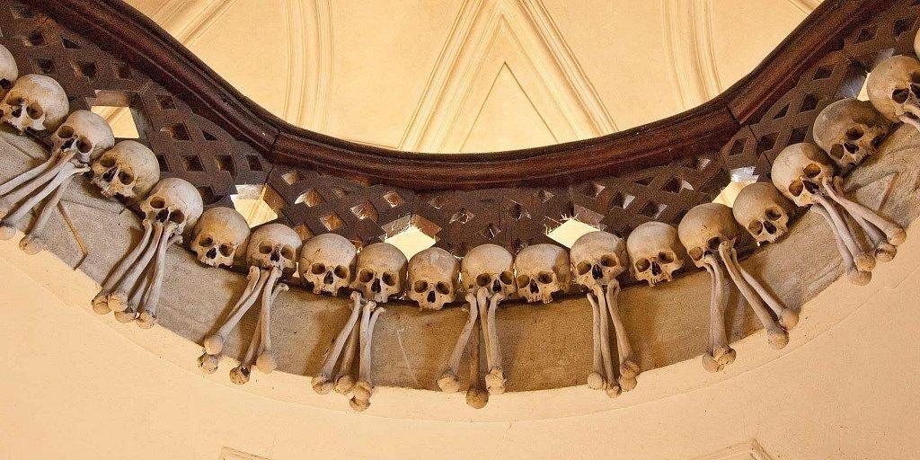 iglesia de los huesos