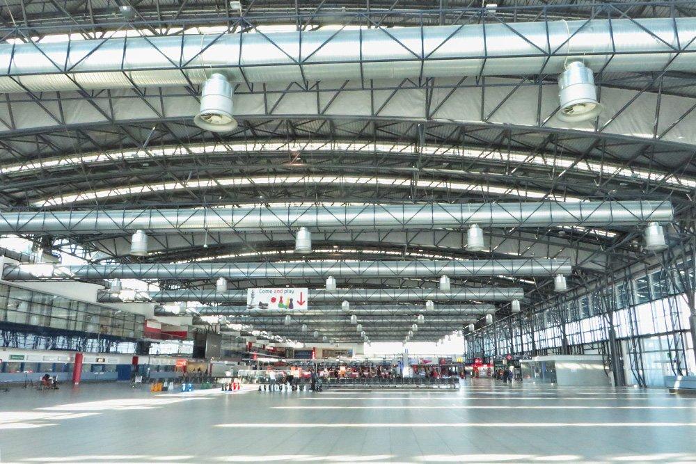 terminal 2 del aeropuerto de praga